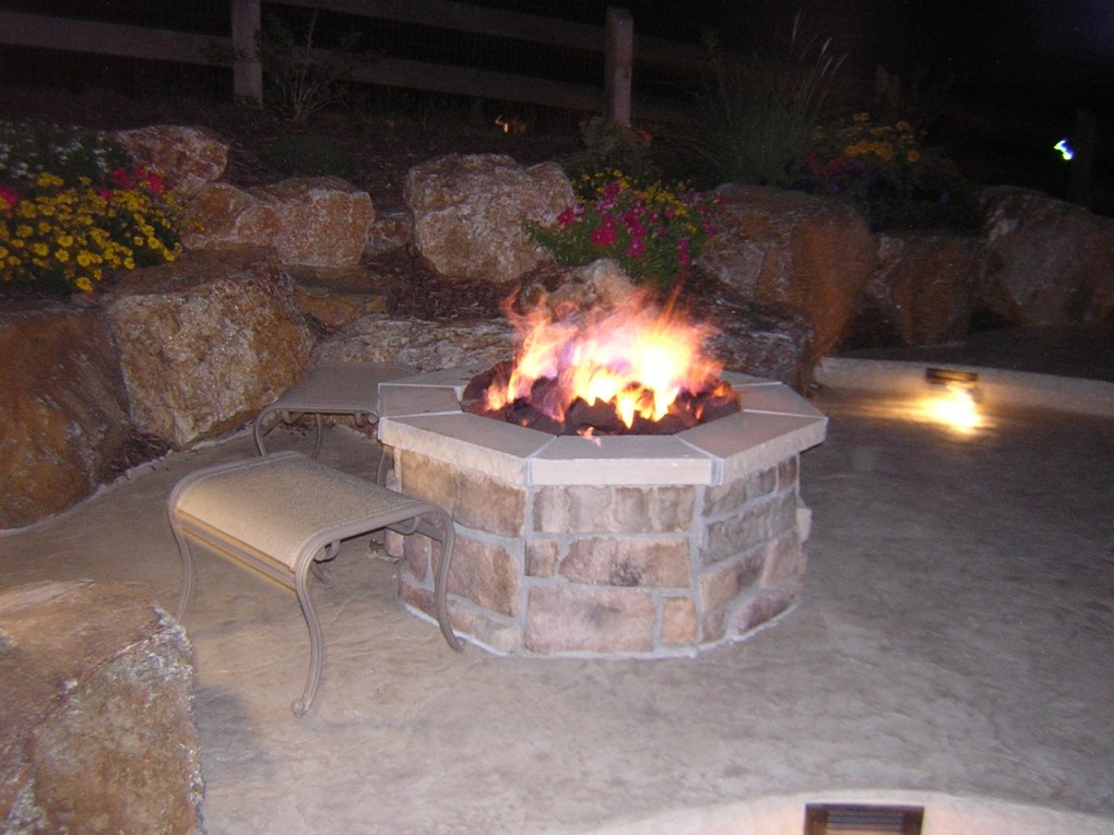 Custom features pool and spa experts pool and spa experts for Fire pit water feature combo
